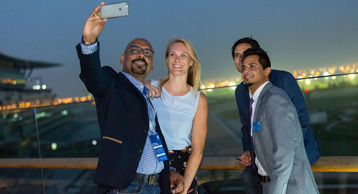 TIPS FOR THE PERFECT SELFIE_taproot